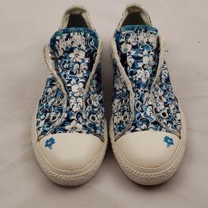 Converse slip on flower 🌼 pattern youth size 2.5